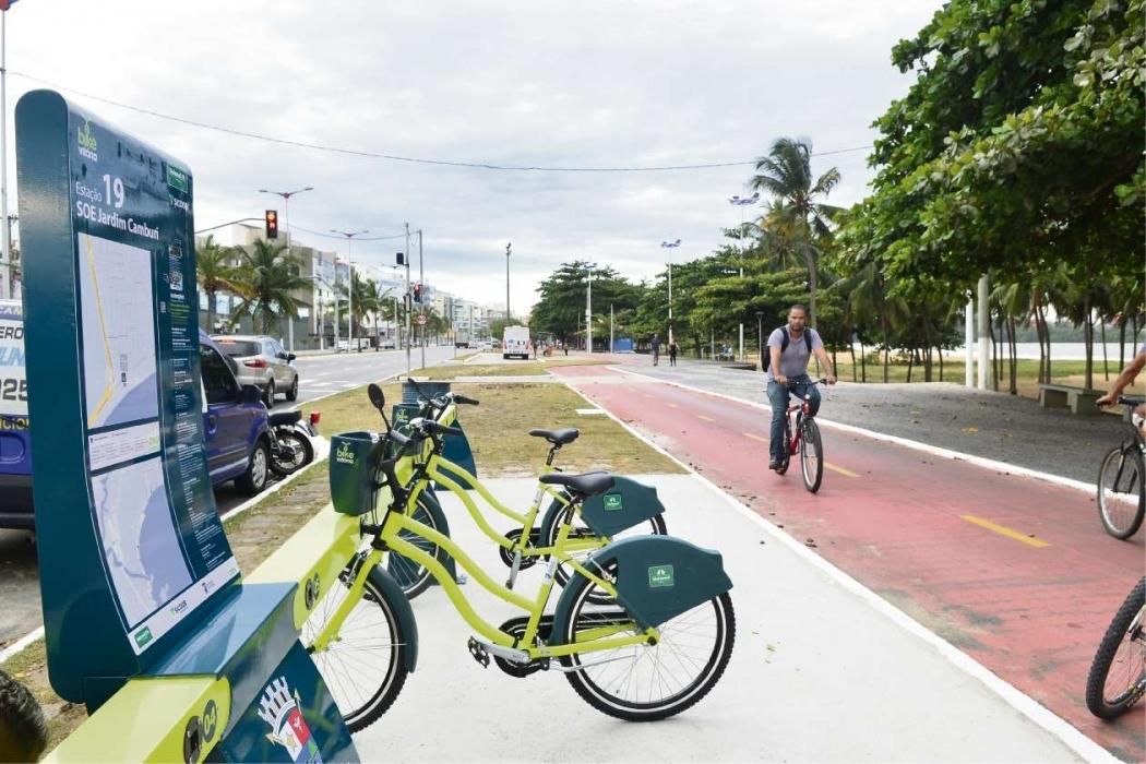 Uma das estações do Bike Vitória fica localizada no início da orla de Camburi. Crédito: Guilherme Ferrari | Arquivo