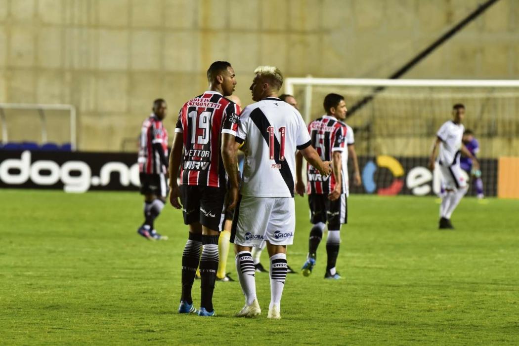 Serra e Vasco se enfrentaram no Kleber Andrade. Crédito: Marcelo Prest