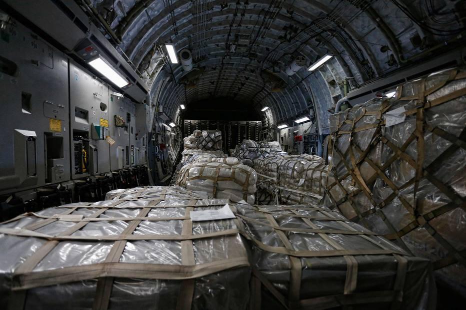 Alimentos e remédios não puderam ser transportados em sua totalidade devido ao fechamento de fronteira ordenado por Maduro . Crédito: Rhona Wise/AFP