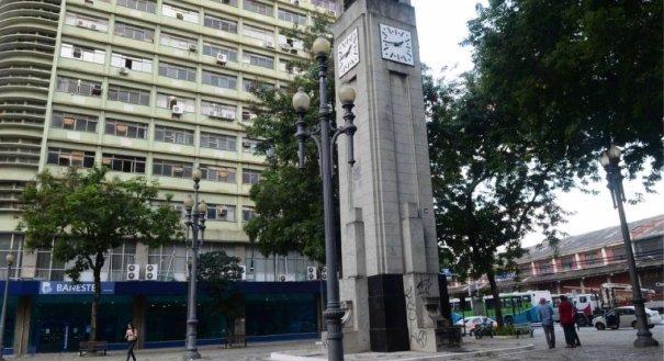 Relógio da Praça Oito, no Centro de Vitória. Crédito: Carlos Alberto Silva