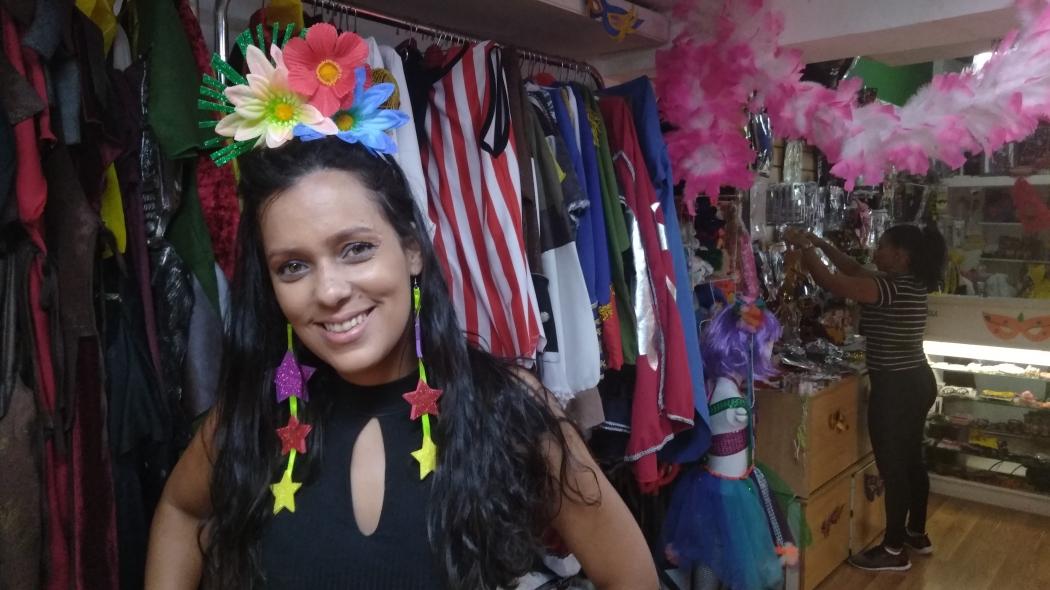 06192ee3b Andressa Teixeira diz que homens e mulheres têm preferido mais adereços e  roupas leves