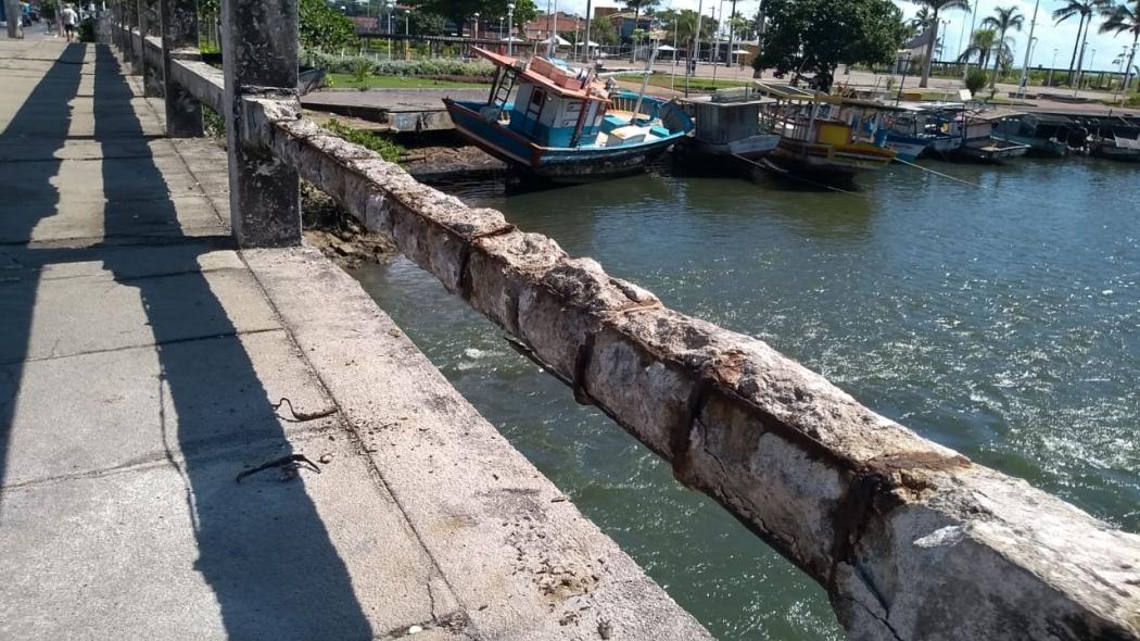 Conservação ruim de ponte incomoda moradores de Jacaraípe, na Serra. Crédito: Eduardo Dias