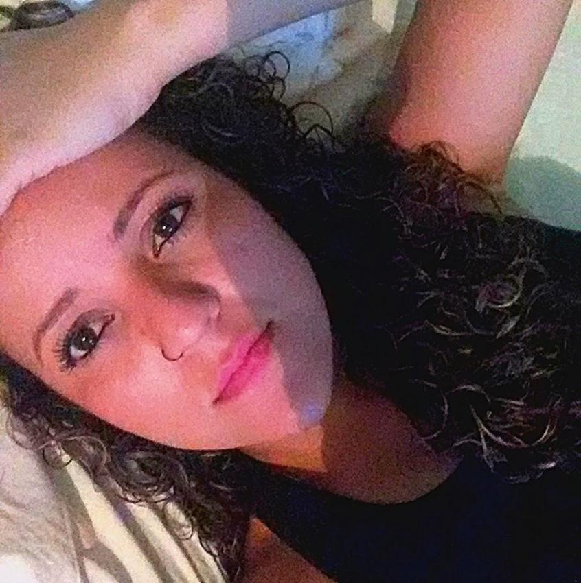 Maikelly Rodrigues, encontrada morta com cinco tiros na Serra. Crédito: Reprodução/Facebook