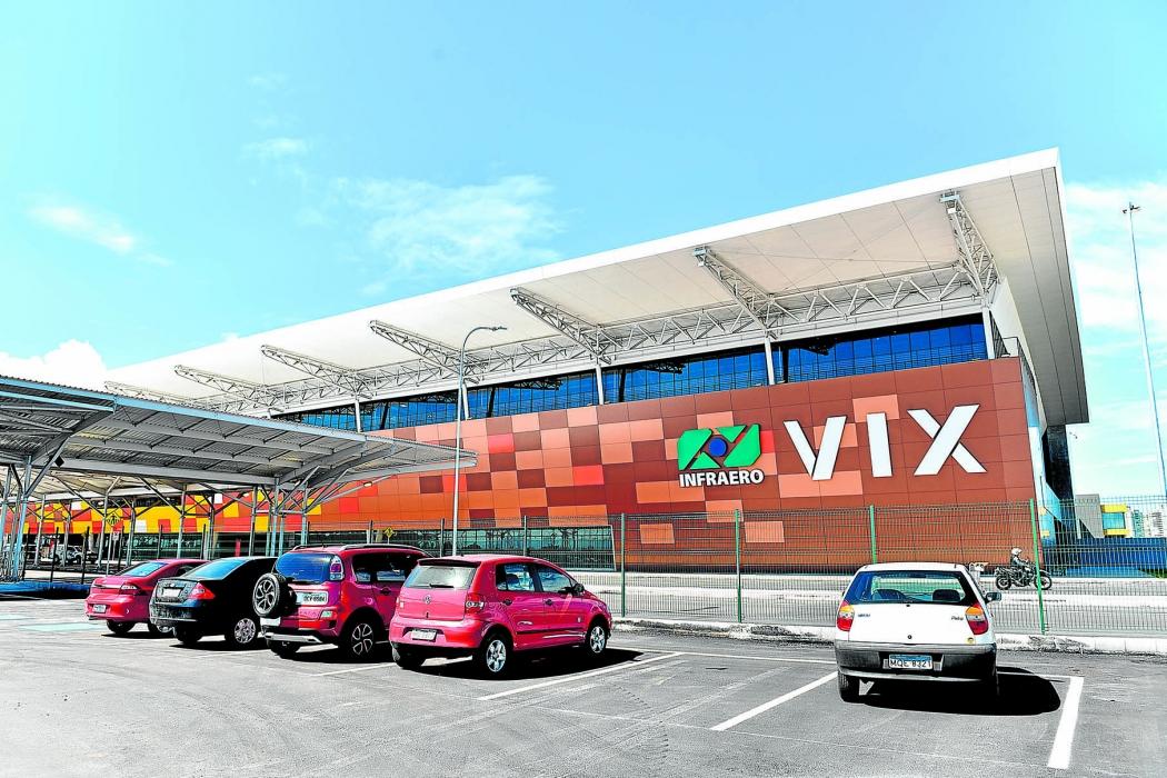 Aeroporto de Vitória deve ser um dos mais disputados no leilão do dia 15  . Crédito: Fernando Madeira