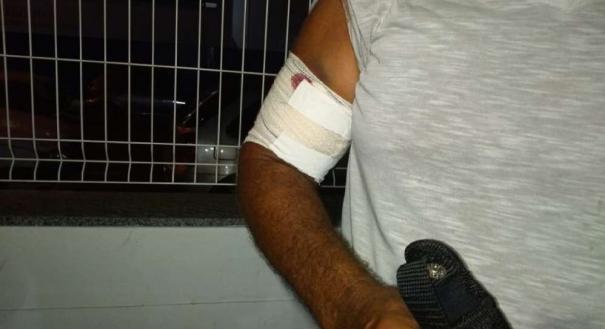 O militar, ferido no braço, prestou depoimento na Delegacia Regional do município