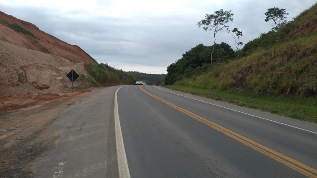 Trecho da BR 101, em Viana, entre o Posto da Polícia Rodoviária Federal (PRF) e o posto de combustíveis 13 de Maio II. Crédito: Divulgação | ECO 101