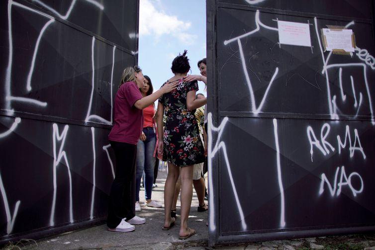 Escola Raul Brasil reabre as portas para professores e funcionários após massacre. Crédito: Ueslei Marcelino
