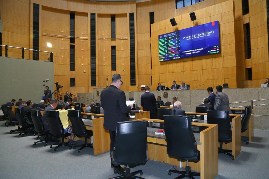 Deputados durante sessão na Assembleia Legislativa. Crédito: Tati Beling/Ales