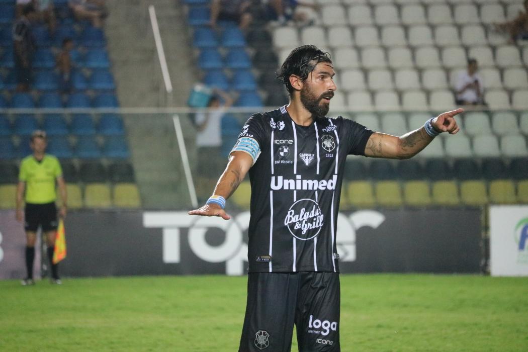 O uruguaio Loco Abreu em ação pelo Rio Branco. Crédito: Daniel Pasti/Rio Branco