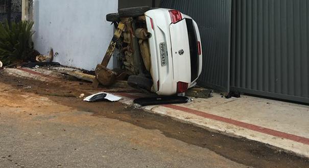 Casal foi sequestrado e acabou vítima de acidente em Fundão. Crédito: Chico Calente|  TV Gazeta