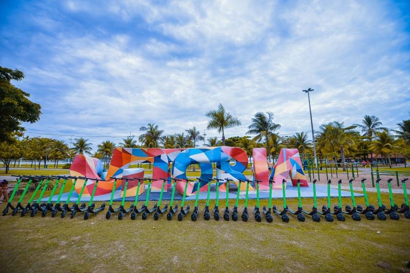 Novos patinetes elétricos são da cor verde e já estão circulando na cidade. Crédito: Diego Alves   PMV
