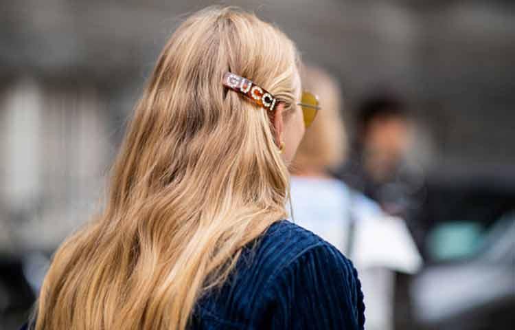 Grampos e presilhas retornam a moda . Crédito: Pinterest