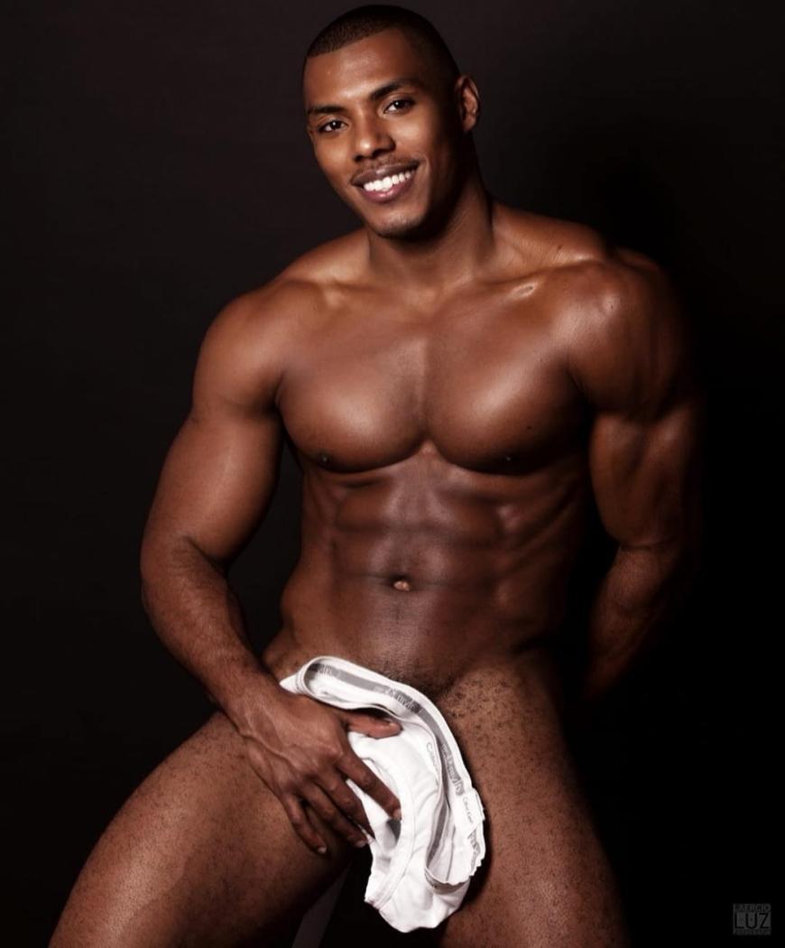 O modelo Max Souza é casado com o prefeito de Lins, em São Paulo, e sonha em ser Mister Brasil. Crédito: Laercio Luz