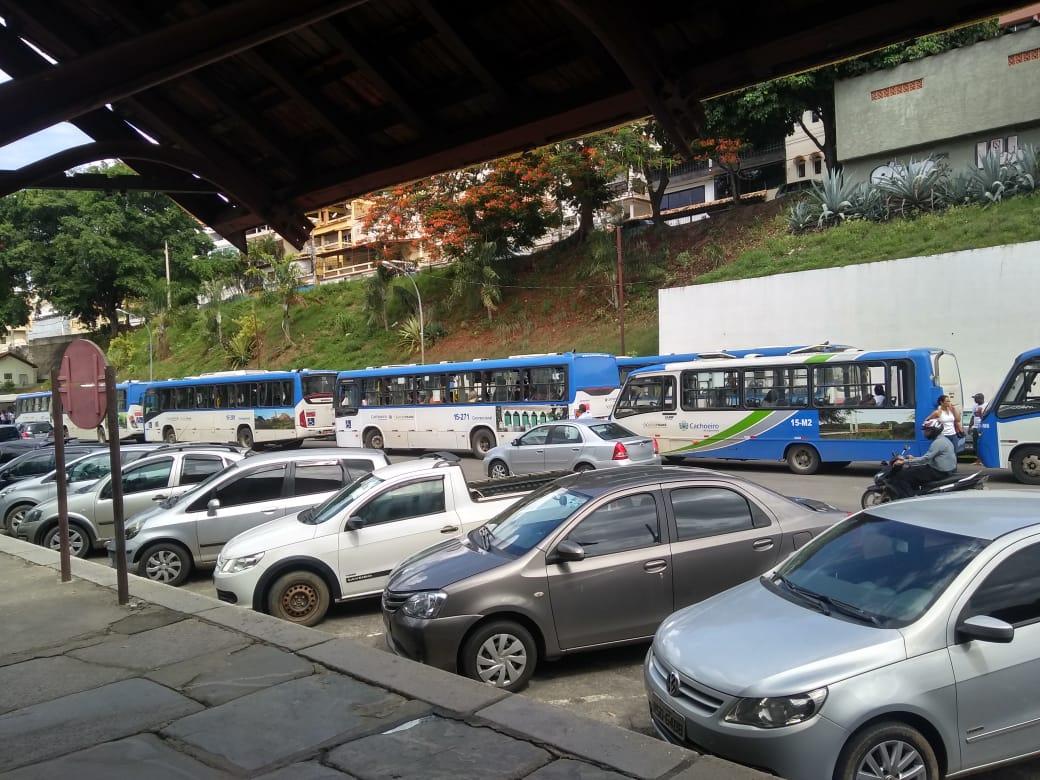 A manifestação durou quase duas horas . Crédito: Internauta Gazeta Online