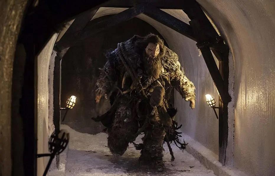 Game of Thrones: Um dos gigantes do Povo Livre ataca a Muralha na Batalha de Castelo Negro. Crédito: HBO