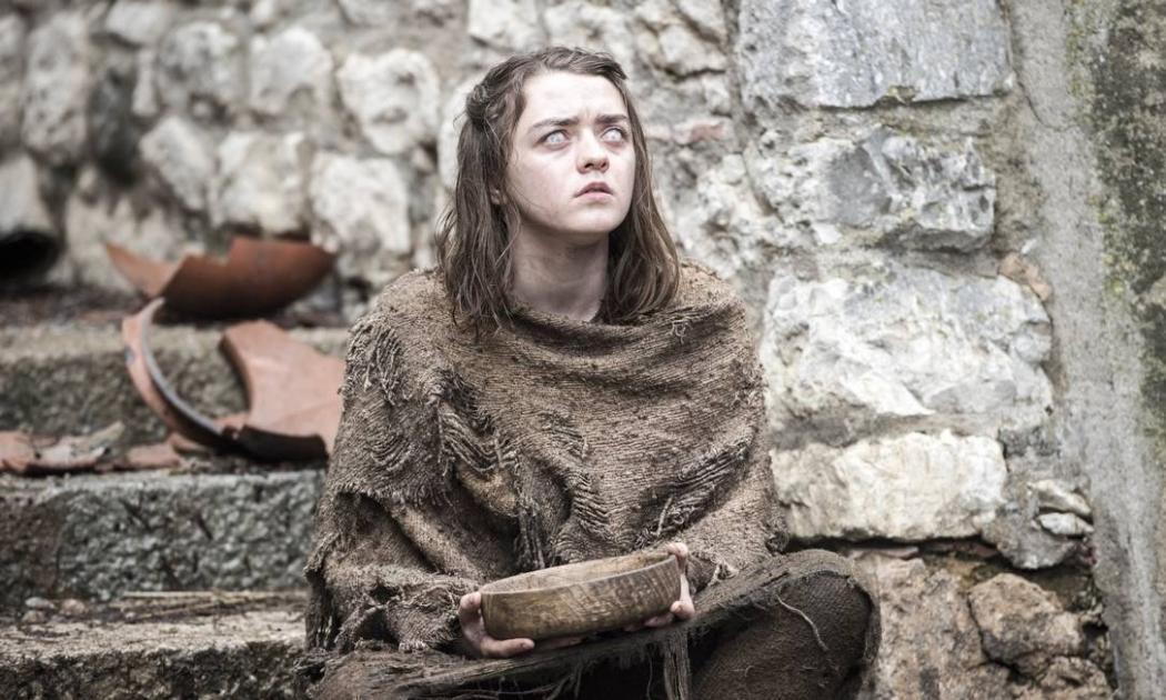 Game of Thrones: Arya é agora uma pedinte cega. Crédito: HBO