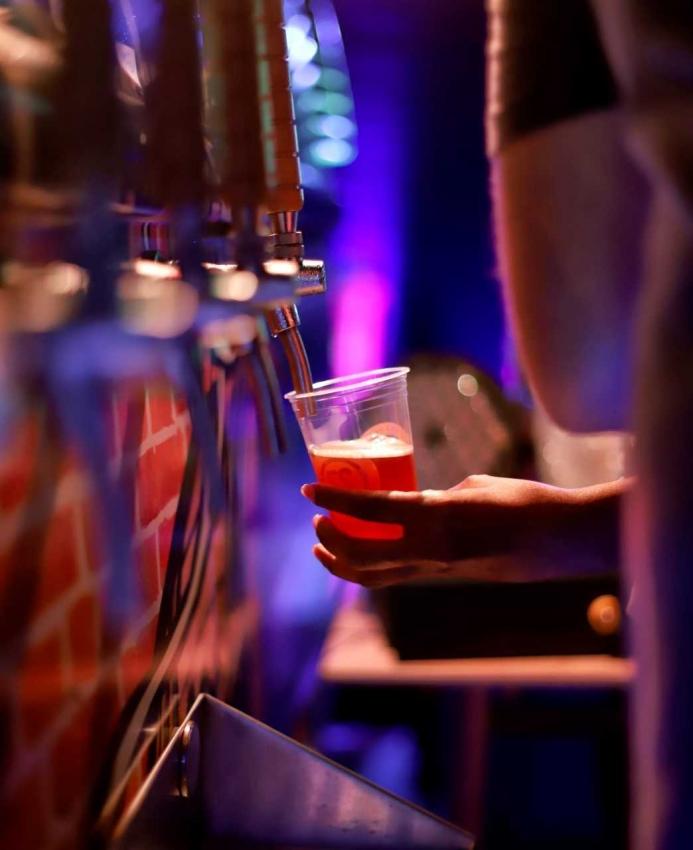 02/04/2019 - Cerveja IPA ganha um dia especial em cervejaria de Vitória (Motorockers). Crédito: Fábio Martins/DigiLab