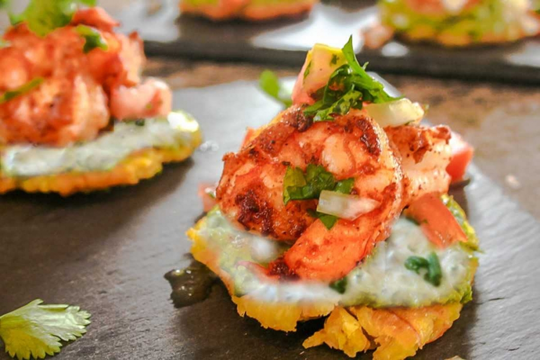 Degusta Mares:  Patacones de camarão e porco (prato Vietnamita). Crédito: Degusta Mares/Carlos Crespo