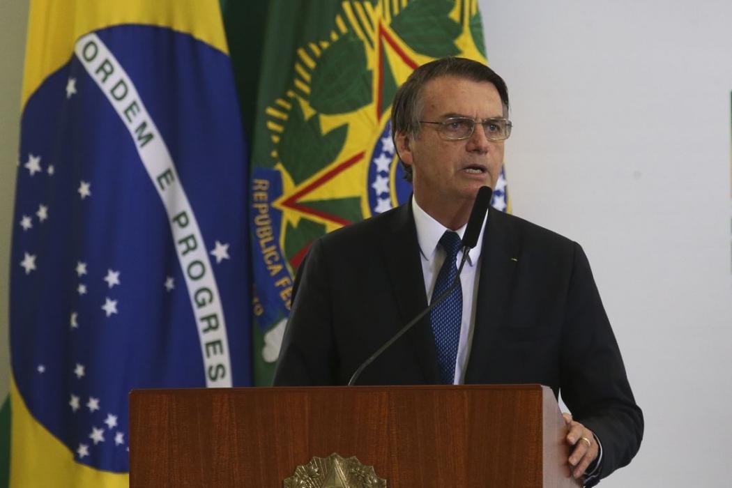 Bolsonaro na solenidade de assinatura da MP: desburocratização para empresas. Crédito: Antonio Cruz/ Agência Brasil