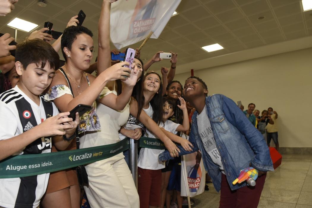 Jeremias Reis chega no Aeroporto de Vitória. Crédito: Carlos Alberto Silva