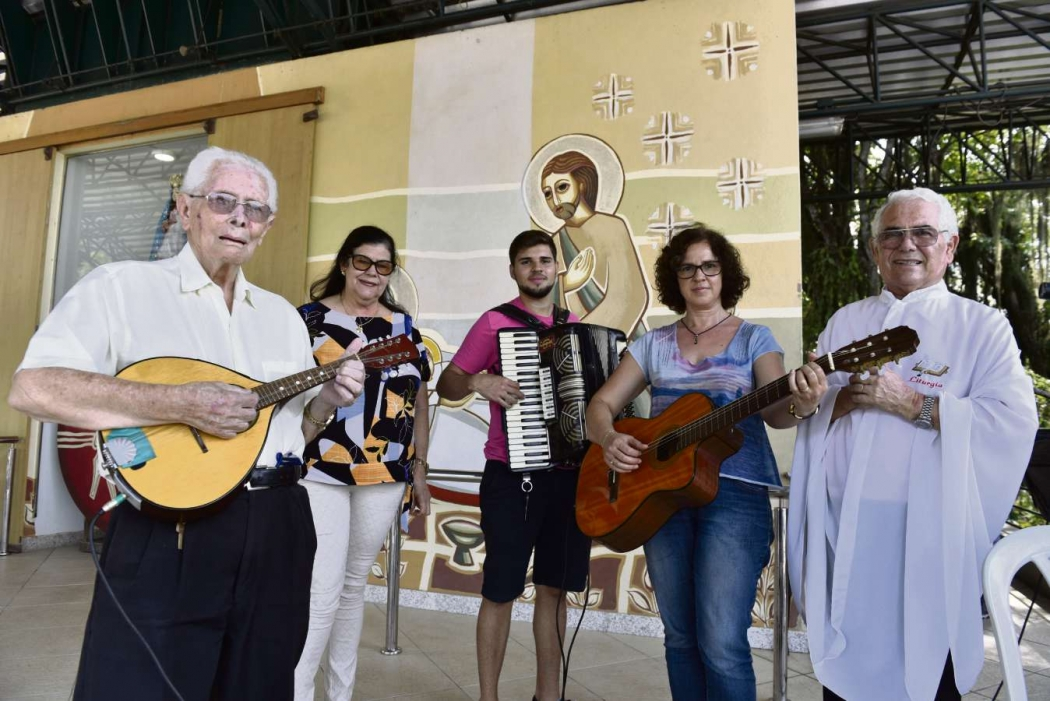 Fiéis de Nossa Senhora da Penha tocam todos os anos durante a festa dedicada à Padroeira . Crédito: Fernando Madeira