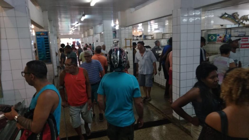Comerciantes esperam que mil pessoas tenham passado pela Vila Rubim nesta sexta. Crédito: Caíque Verli