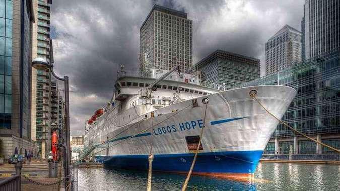 Logos Hope, embarcação que é considerada a maior livraria flutuante do mundo. Crédito: Logos Hope/Divulgação