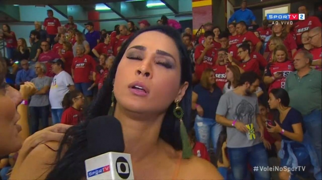 Jaqueline desmaiou durante uma entrevista ao vivo. Crédito: Reprodução/Sportv