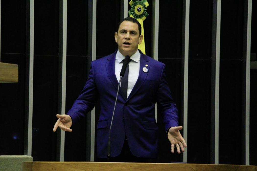 Deputado em primeiro mandato, Da Vitória conseguiu seis passaportes diplomáticos. Crédito: Divulgação