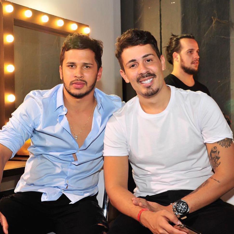 Lucas Guimarães e o noivo, Carlinhos Maia. Crédito: Reprodução/Instagram @carlinhosmaiaof