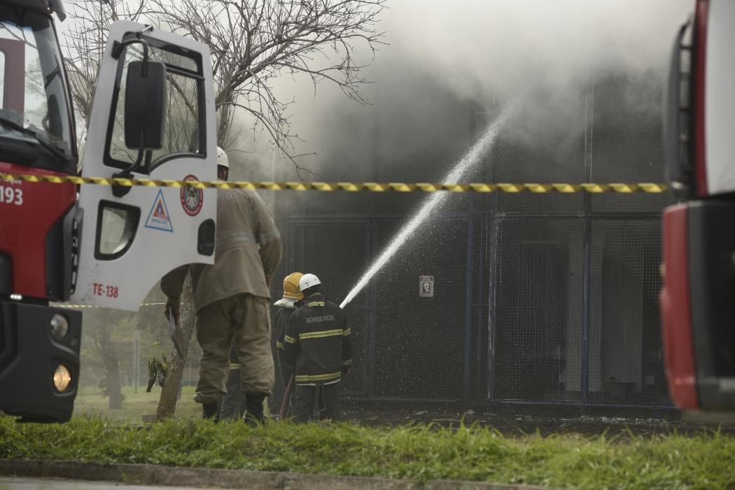 Incêndio é registrado na Ufes, no campus de Goiabeiras. Crédito:              Vitor Jubini