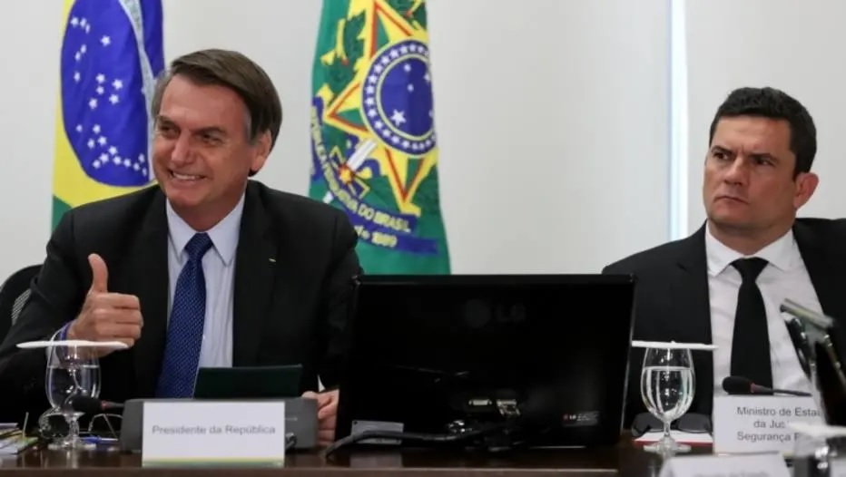 O presidente da República, Jair Bolsonaro, ao lado do ministro da Justiça e Segurança Pública, Sérgio Moro. Crédito: Marcos Corrêa/PR