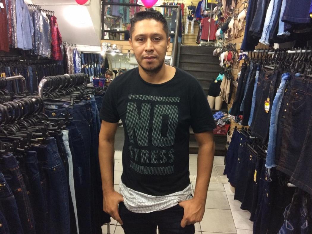 Salmo Ramos, gerente loja de roupas no Centro de Vitória. Crédito: Eduardo Dias