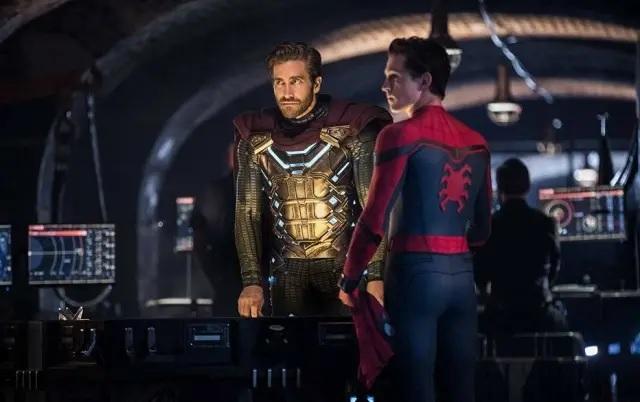13/05/2019 - Jake Gyllenhaal e Tom Holland em 'Homem-Aranha: Longe de Casa'. Crédito: Divulgação/SonyPictures