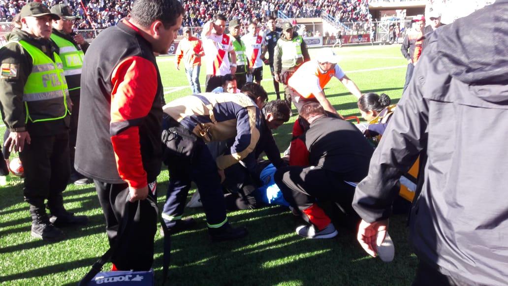 Árbitro boliviano sofre mau súbito durante jogo e morreu. Crédito: Reprodução