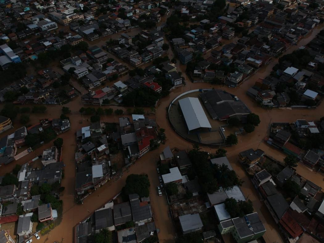 Imagens de drone mostram os alagamentos que ainda atingem a Grande Cobilândia, em Vila Velha. Crédito: Internauta/Hemerson Oliveira