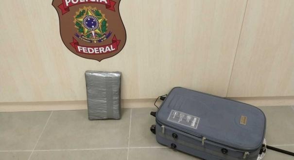 Mala com 7 kg de crack foi apreendida no Aeroporto de Vitória