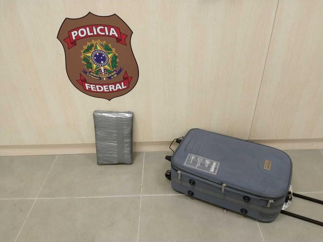 Mala com 7 kg de crack foi apreendida no Aeroporto de Vitória. Crédito: Divulgação/PF