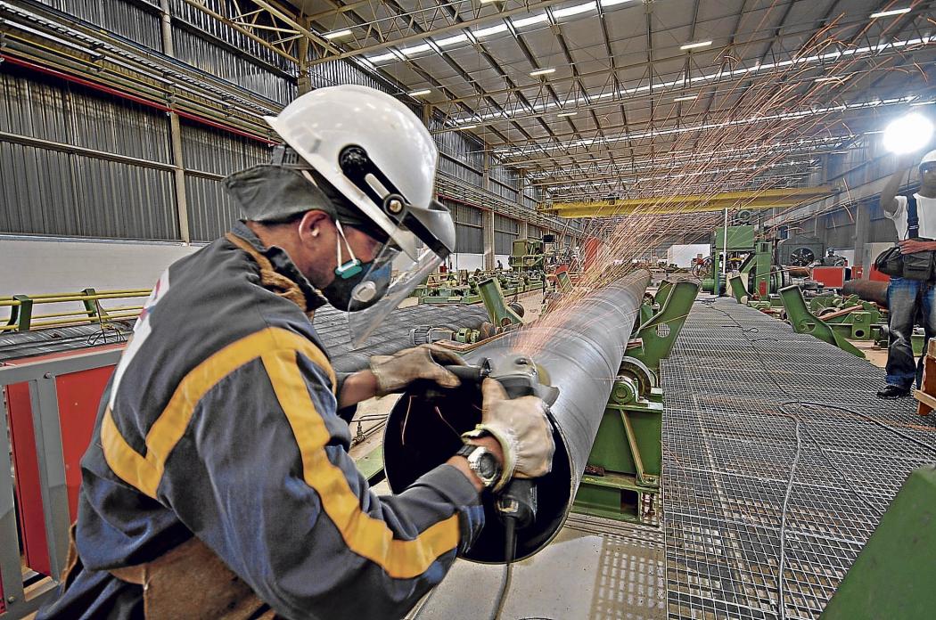 Produção industrial cai em 17 dos 26 ramos industriais em junho ante maio. Crédito: Divulgação