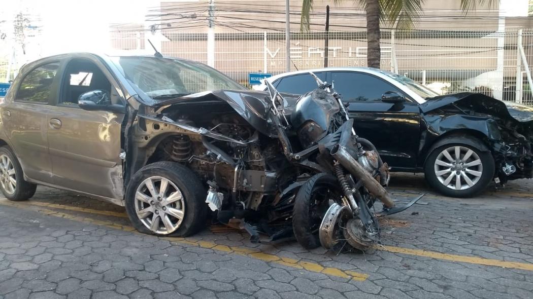 Carros envolvidos em acidente com mortes na Terceira Ponte. Crédito: Eduardo Dias