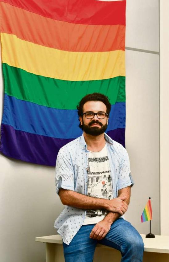 O conselheiro de Estado para Promoção da Cidadania e dos Direitos Humanos LGBTs do Espírito Santo, Aubrey Effgen. Crédito: Edson Chagas/GZ