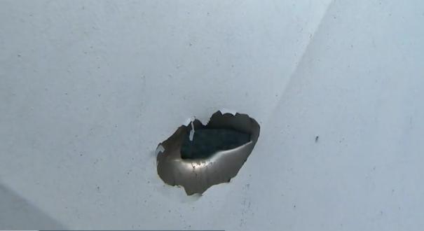Casas da rua do bairro São Francisco, em Cariacica, ficaram com marcas de tiro