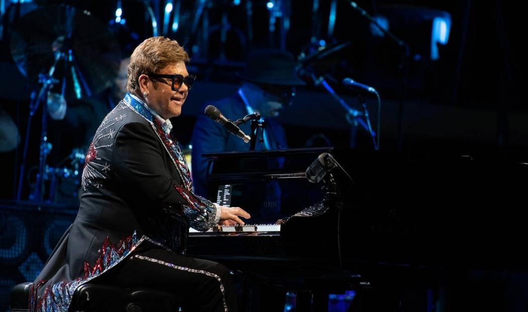 Elton John durante um show na Suécia, em maio de 2019. Crédito: Divulgação/GETTY IMAGES