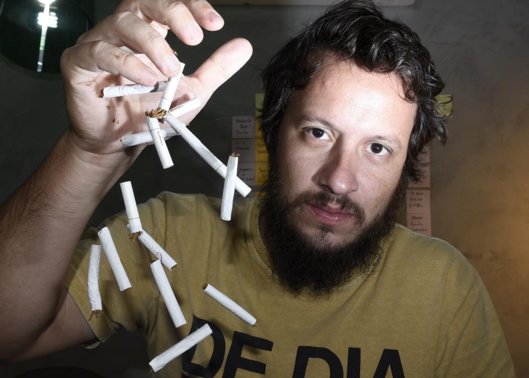 Kemel Mellem parou de fumar há um ano. A motivação foi a perda de tempo. Crédito: Carlos Alberto Silva