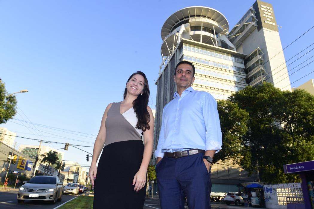 Juliana Gavini, diretora de Inovação, e Léo de Castro, presidente da Findes. Crédito: Ricardo Medeiros