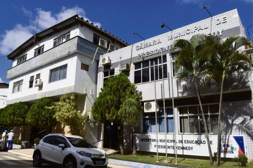 Prefeitura de Presidente Kennedy, onde fica a Secretaria de Educação:  cidade é a que mais gasta por aluno. Crédito: Carlos Alberto Silva