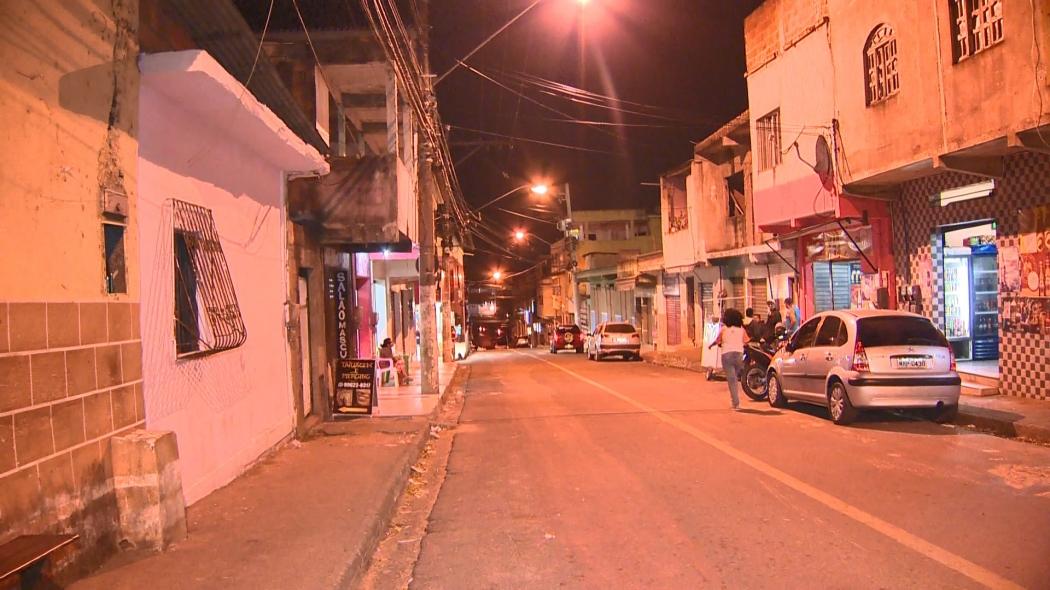 Criança de 7 anos atingingida por bala perdida em Cariacica. . Crédito: Manoel Neto | TV Gazeta