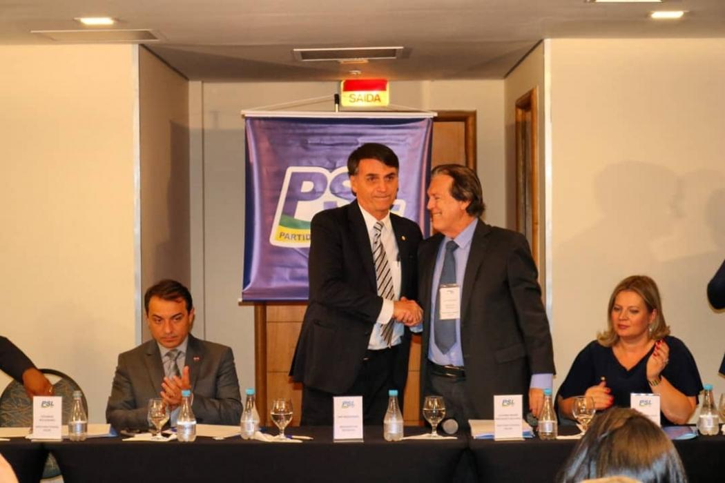 Após nova acusação, aliados de Bolsonaro atuam para tirar Bivar do comando do PSL. Crédito: Instagram