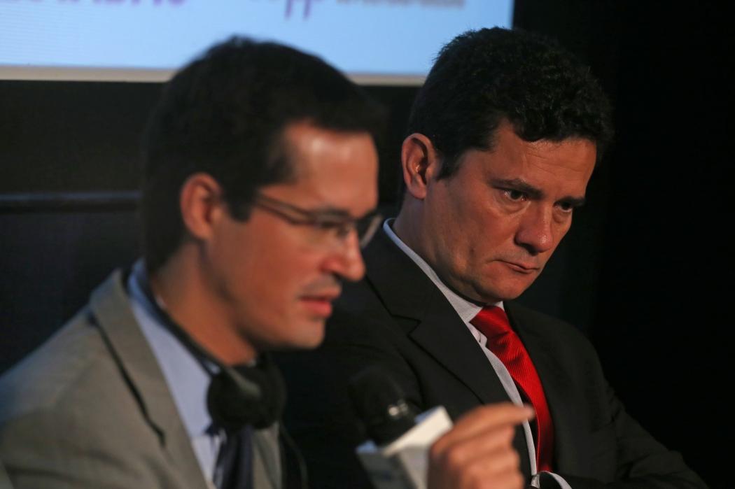 Deltan Dallagnol, procurador federal e coordenador da Lava Jato no MPF, e Sérgio Moro, então juiz federal da 13ª Vara Criminal de Curitiba durante evento em São Paulo. Crédito: Helvio Romero/Agência Estado