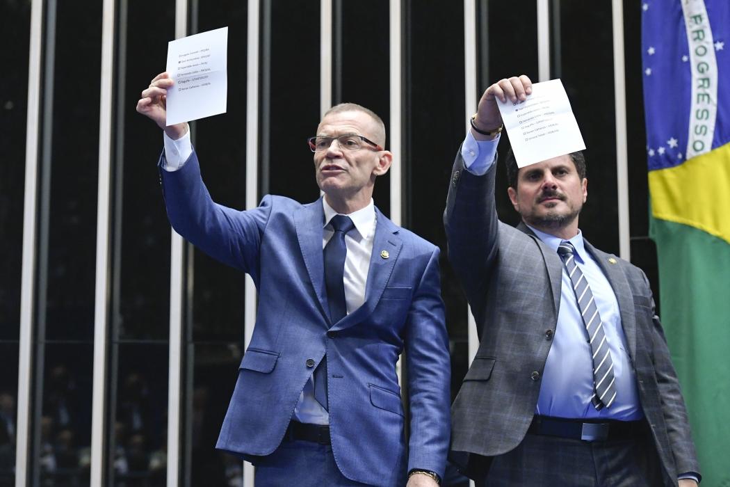 Fabiano Contarato (Rede) e Marcos do Val (Podemos) fazem parte da Comissão de Constituição e Justiça (CCJ) do Senado. Crédito: Geraldo Magela/Agência Senado